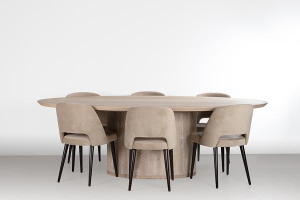 Cuarto - Table oval